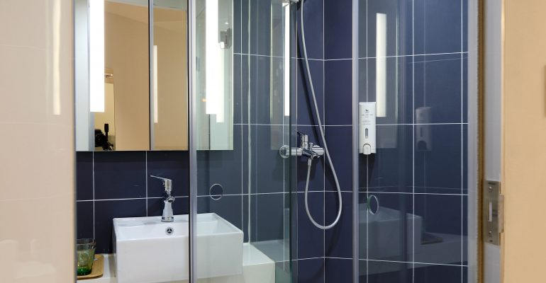 Shower Doors NYC & Shower Doors NYC - Fiduciary Glass - NYC Glass Works : Fiduciary ...